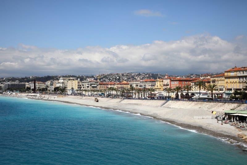 Strandsemesterort av Nice arkivfoto