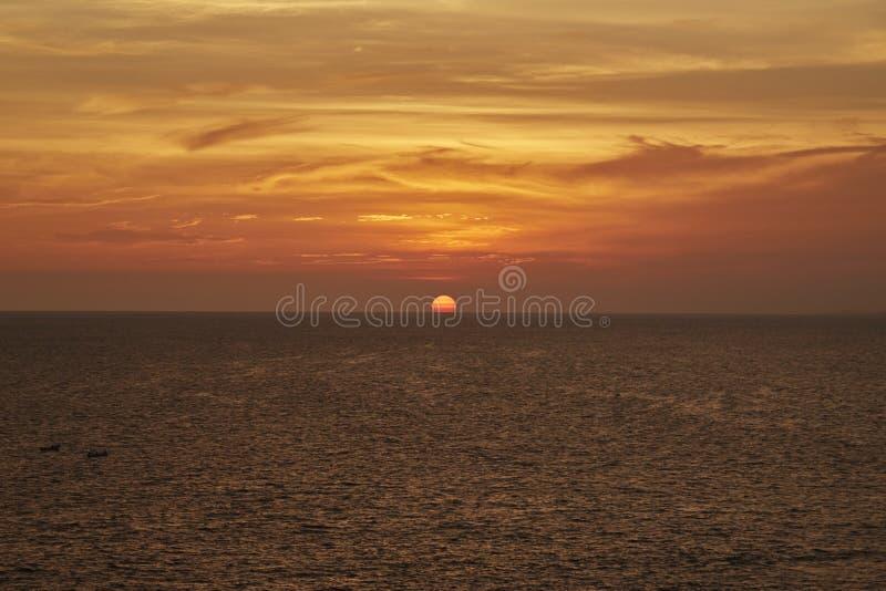 Strandsonnenuntergang in Acapulco, Mexiko _b lizenzfreies stockbild