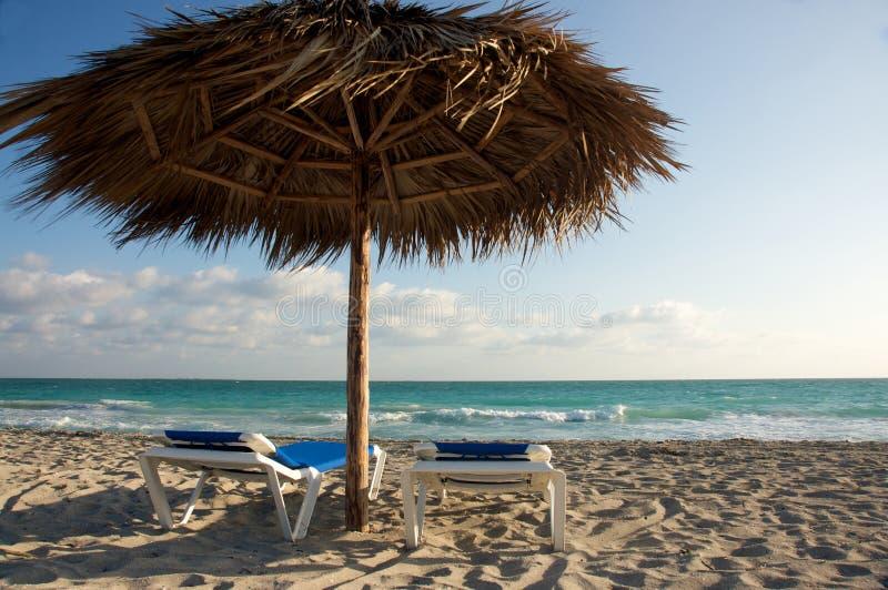 Strandstühle und Schatten Cabana