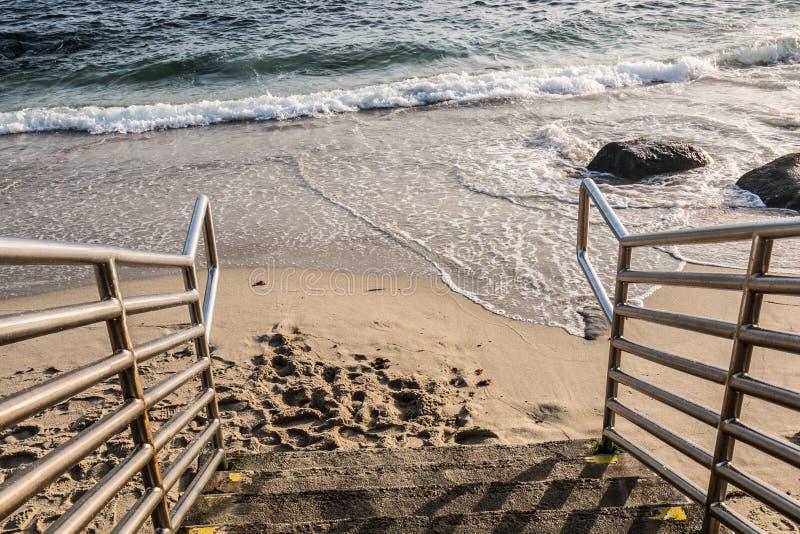 Strandtrappa i La Jolla, Kalifornien royaltyfri fotografi