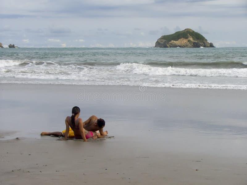 strandvänner royaltyfri foto