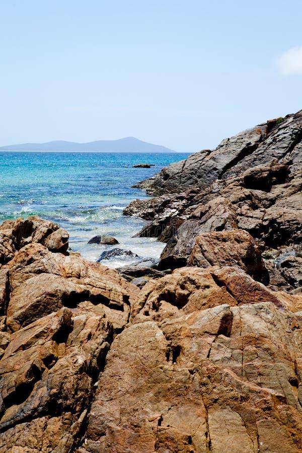 Strandwater en rotsen - Sawtell royalty-vrije stock fotografie