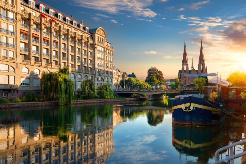 Strasbourg au lever de soleil photographie stock libre de droits
