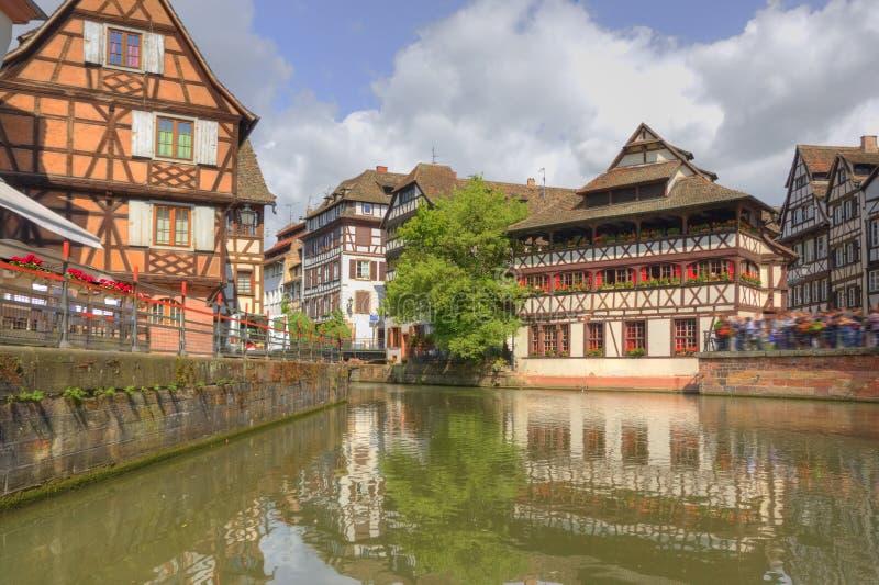 Strasbourg Frankrike med färgrik arkitektur arkivfoto