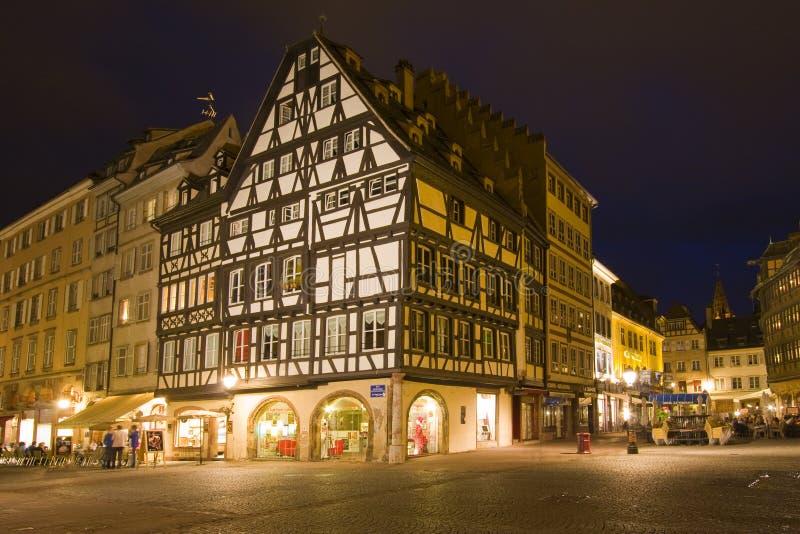 Strasbourg Frankrike med färgrik arkitektur royaltyfria foton