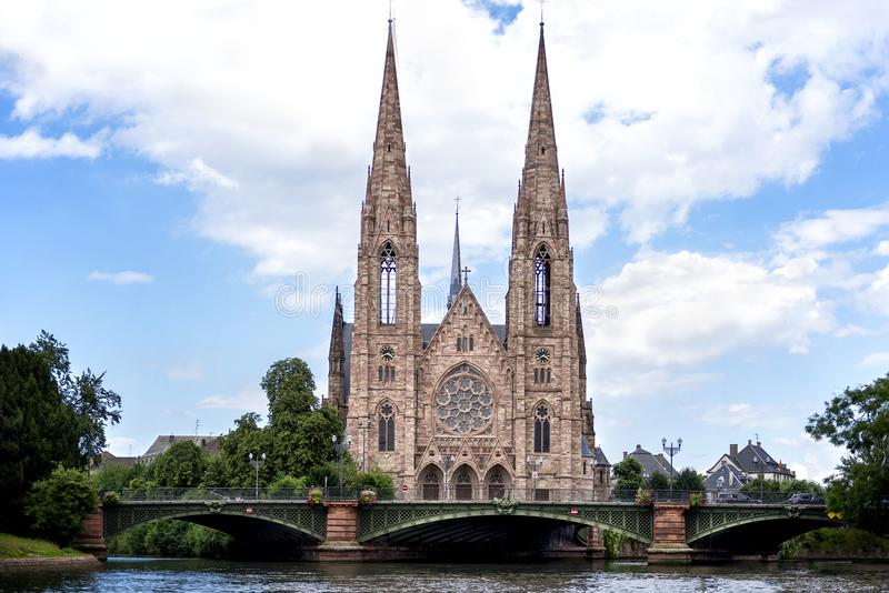 Strasburgo: Chiesa del ` s di St Paul di Strasburgo Eglise St Paul de Strasburgo, 1897 l'Alsazia, Francia immagini stock