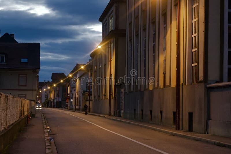 Strassburg Industriële woonwijk bij nacht stock foto