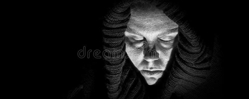 Straszna kobieta w całunie, panorama zdjęcie royalty free