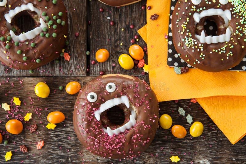 Straszni Halloweenowi donuts zdjęcie stock