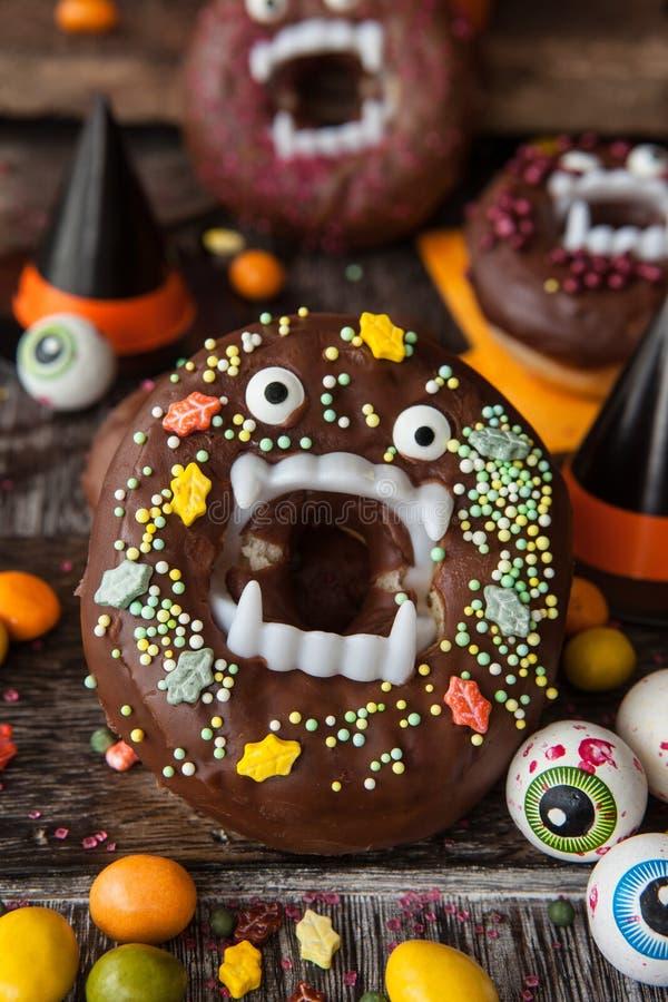Straszni Halloweenowi donuts obrazy stock