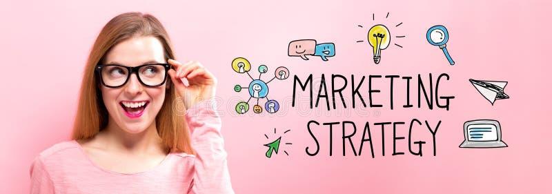 Strategia di marketing con la giovane donna felice fotografie stock