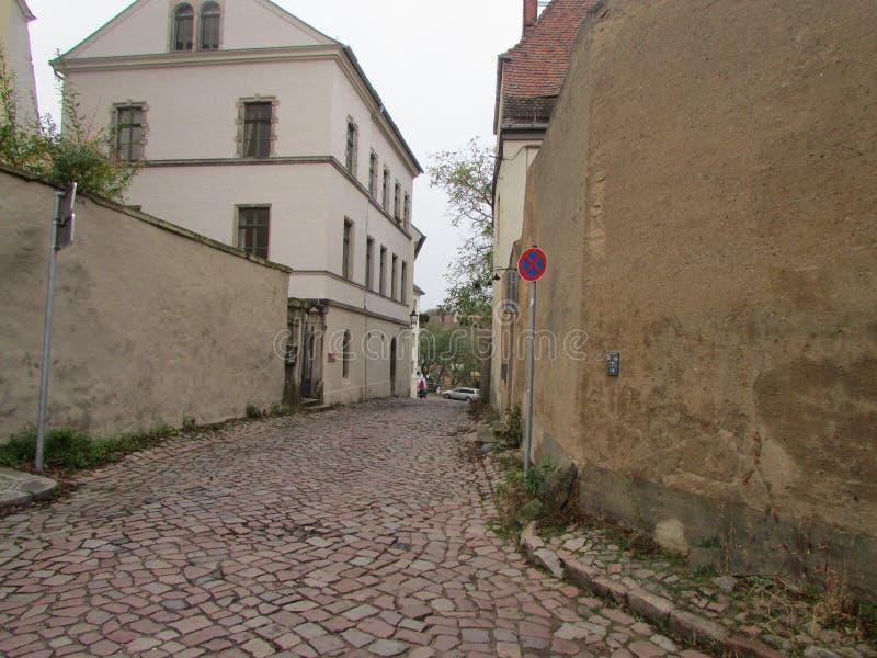 Straten en architectuur van Duitsland - de stad van Mayson, cobbled straten, oude metselwerkhuizen royalty-vrije stock foto