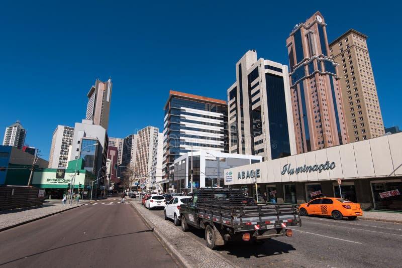 Straten en Gebouwen van Curitiba-Stad stock foto