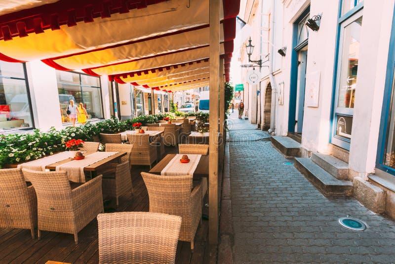 Straten en het Oude Estlandse Kapitaal van de Stadsarchitectuur, Tallinn, Estland stock fotografie