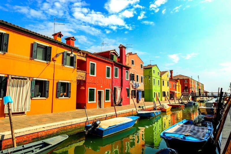 Straten van Burano, Italië stock fotografie