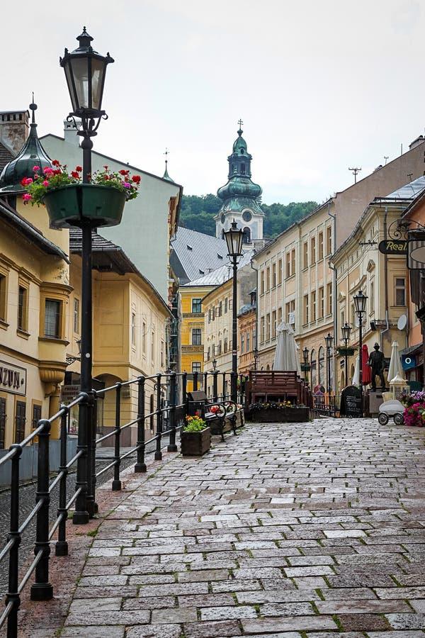 Straten van de historische stad van Banska Stiavnica, Slowakije royalty-vrije stock foto