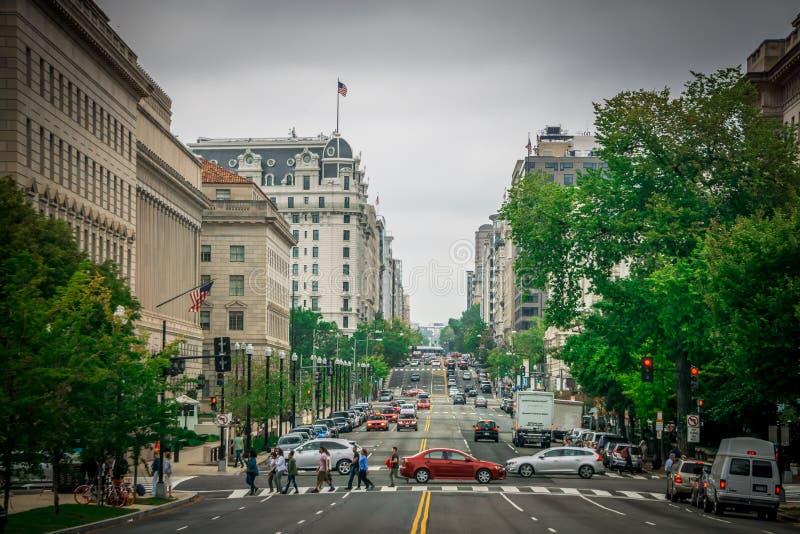 Straten zetten de van de binnenstad van Washington gelijkstroom en verkeer om royalty-vrije stock afbeelding