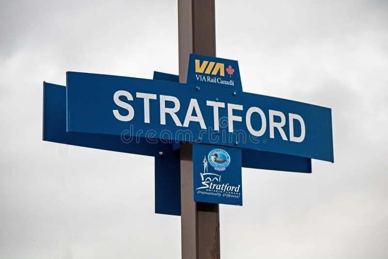 Stratford, Ontario VIA il segno della stazione di ferrovia fotografie stock
