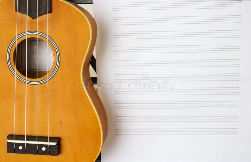 Strato e ukulele di musica diritti immagine stock