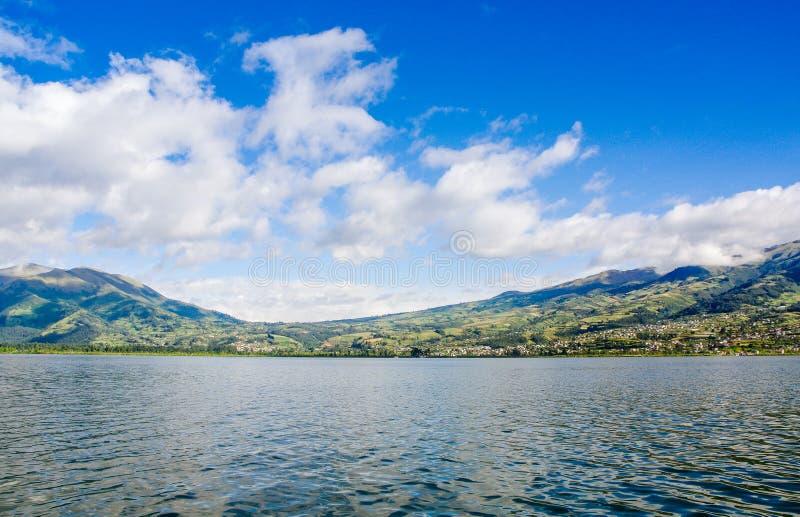 Download Stratovolcano Inattivo Di Imbabura Sotto Il Lago San Pablo Nell'Ecuador Del Nord Immagine Stock - Immagine di posizione, attivo: 117981539