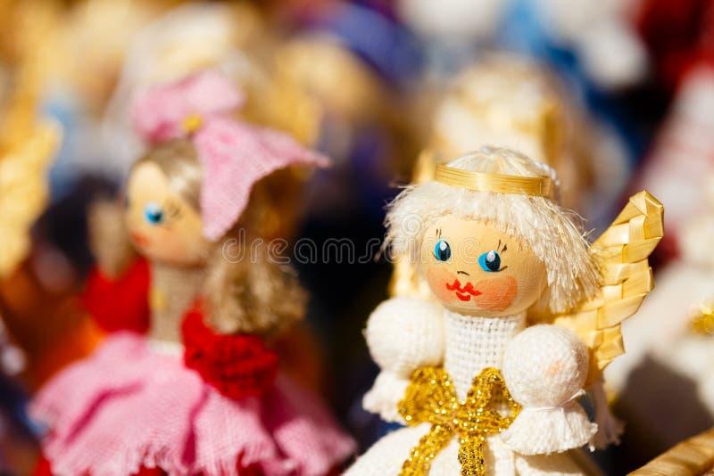 Straw Dolls At The Market bielorruso colorido en Bielorrusia foto de archivo libre de regalías