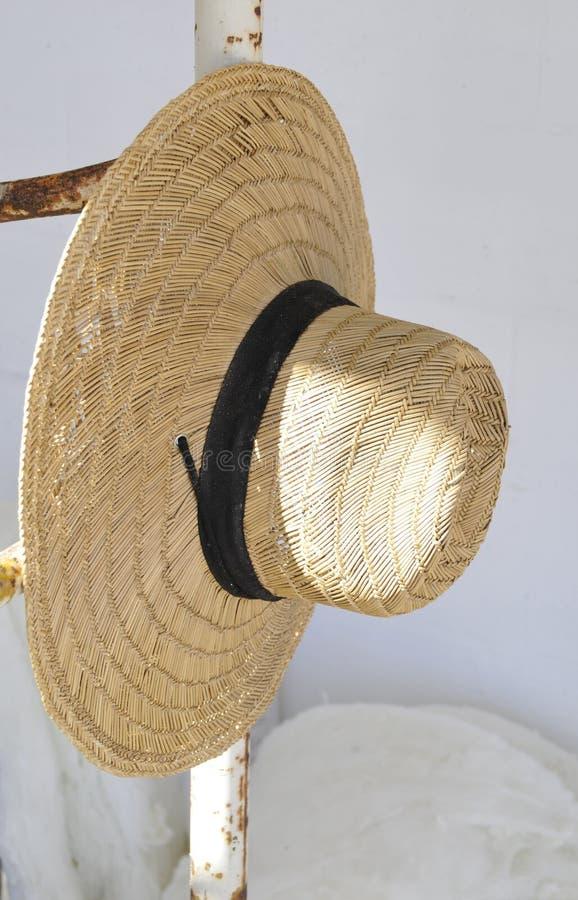 Straw Hat avec la bande noire photographie stock
