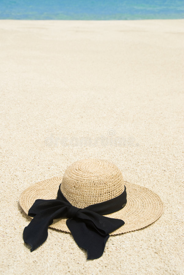Download Straw Hat On A Tropical Beach Stock Photo - Image of sand, elegant: 9181010