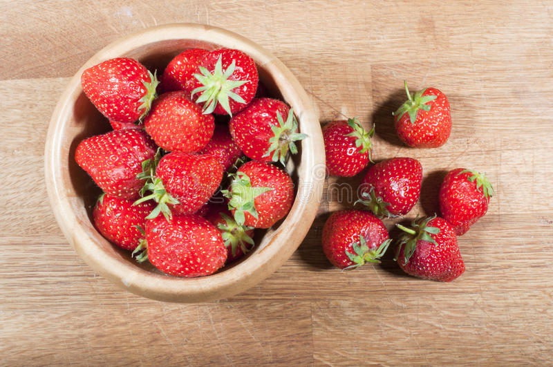 Download Strawberries On Chopping Board Stock Image - Image: 25233489