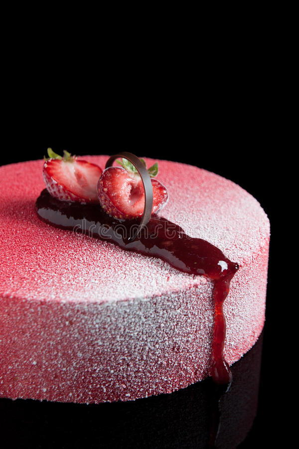 Download Strawberries Mousse With Chocolate Royalty Free Stock Images - Image: 25040959