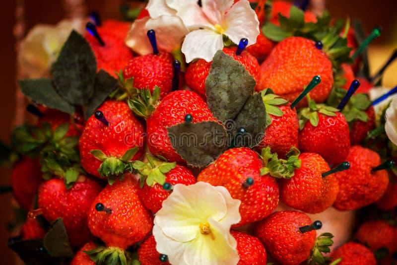 Strawberriy em uma vara, decoração da tabela imagem de stock
