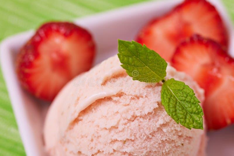 Download Strawberry Ice Cream With Fresh Stock Photo - Image: 29285398