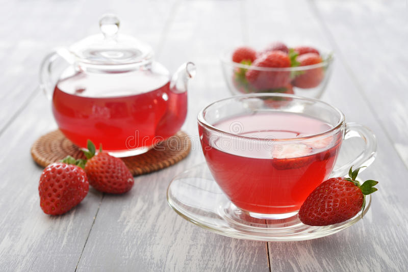 Download Strawberry Tea Stock Photo - Image: 39308128