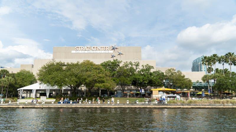 Straz中心外视图从水坦帕佛罗里达的 库存照片