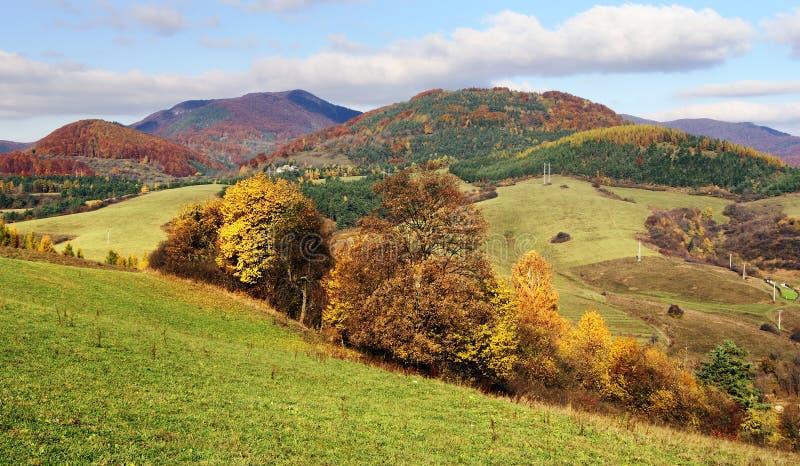 strazov登上秋季看法在vrchy的strazovske的 免版税库存照片
