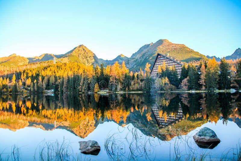 Strbske pleso Strbske jezioro w Wysokim Tatras parku narodowym, Północny Sistani fotografia stock