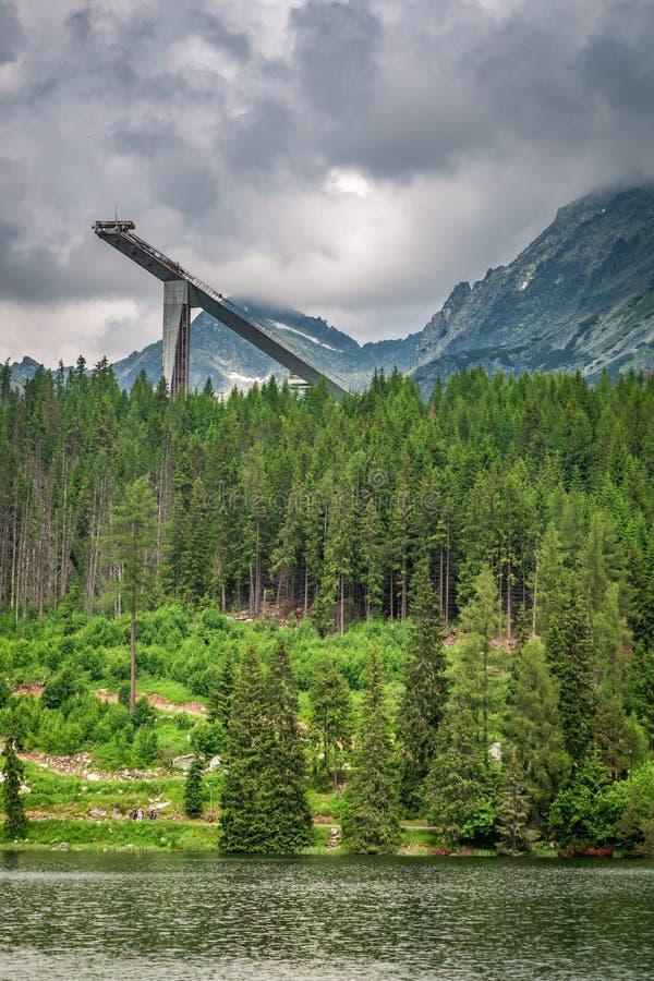 Strbske Pleso y lago maravillosos de la montaña en verano fotografía de archivo libre de regalías