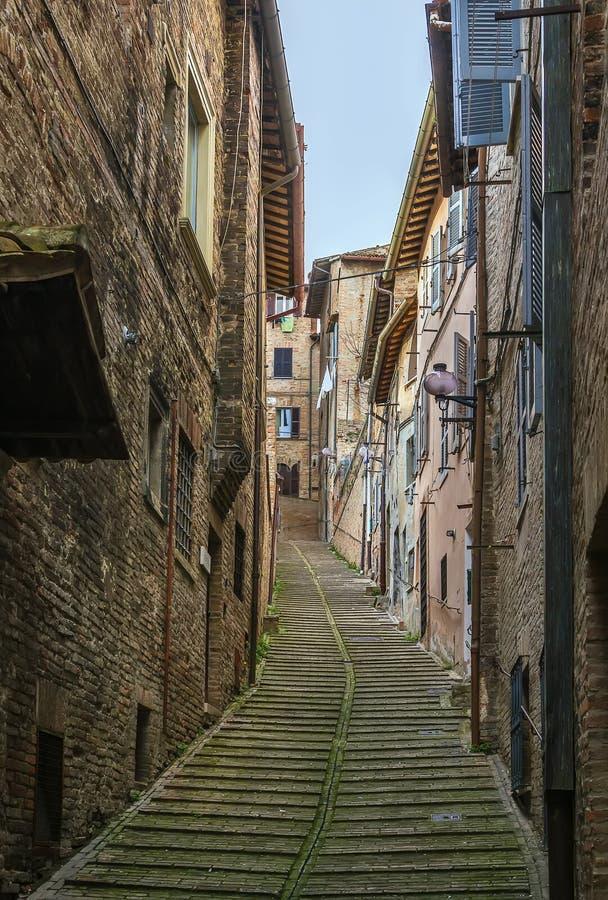 Streen i Urbino, Italien arkivfoto