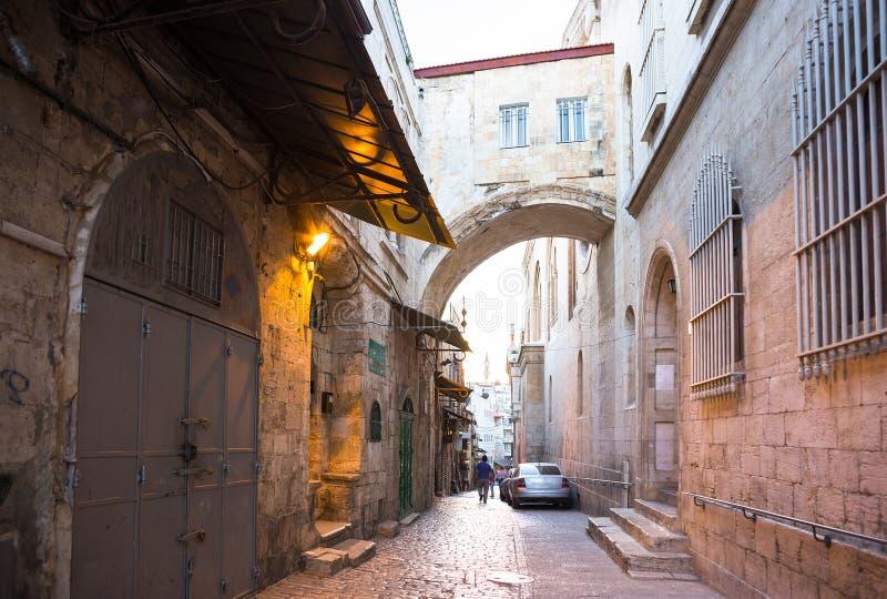 Streeo av den gamla staden Jerusalem på natten arkivbilder