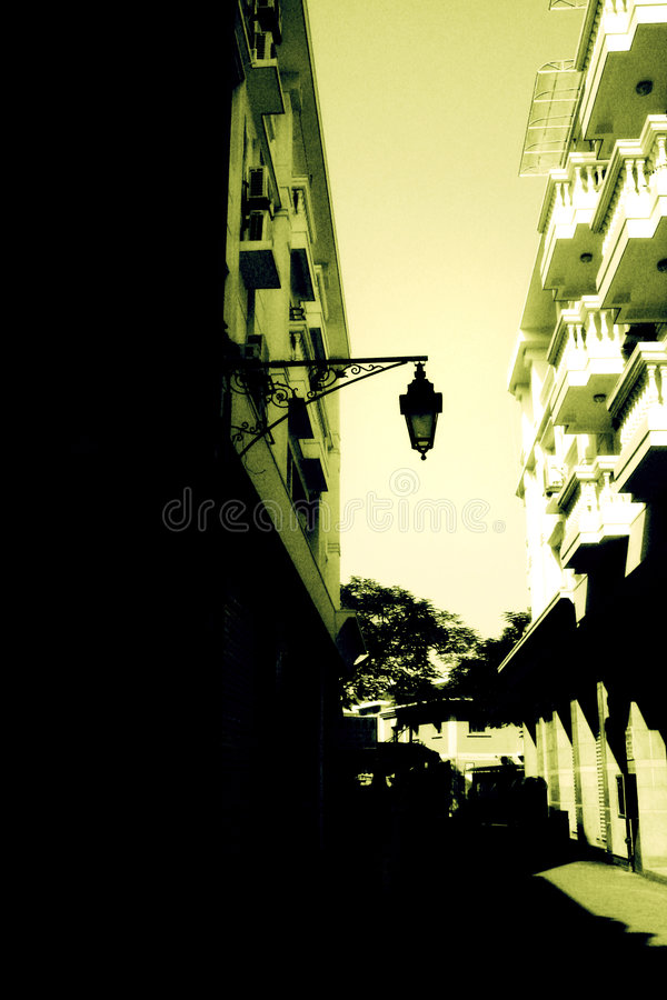 Free Street And Old Lamp Post Royalty Free Stock Image - 5051226