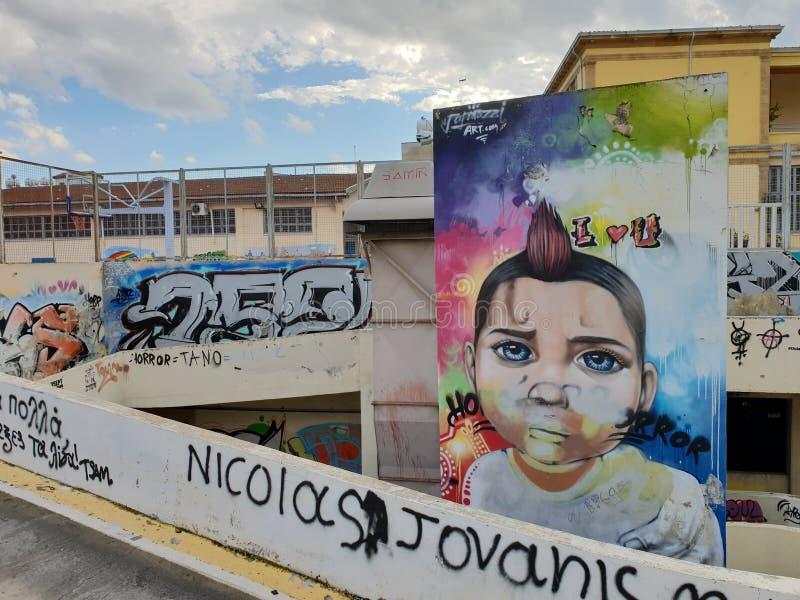 Street Art hermoso cerca centro de ciudad de Nicosia de la iglesia de Phaneromeni del viejo fotos de archivo