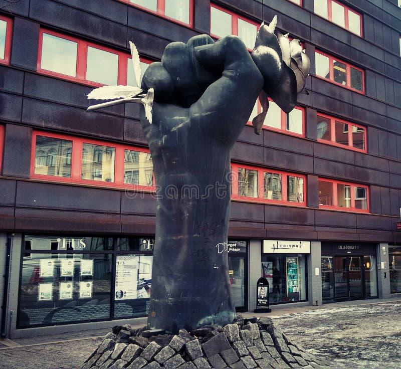 Street_art_Sculpture_The rose_Oslo_2018 图库摄影