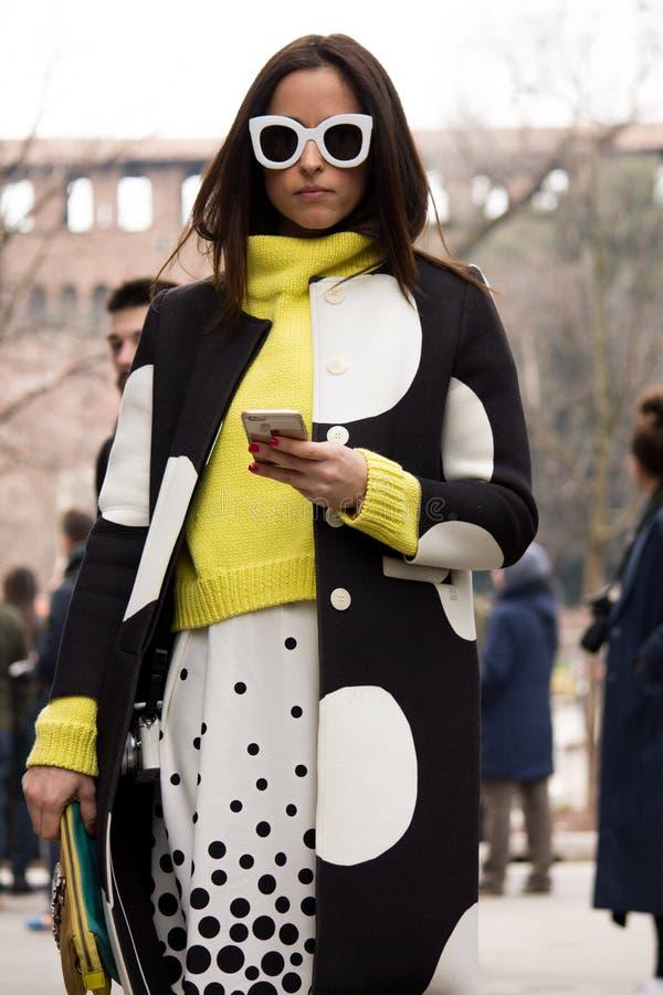 Free Street Style: Milan Fashion Week Autumn/Winter 2015-16 Stock Photo - 51020750
