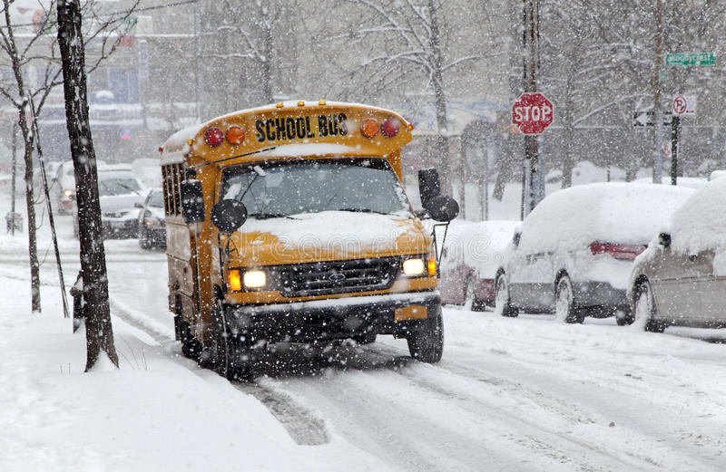 Download Street Traffic During Snow Storm In New York Editorial Stock Photo - Image: 37599708