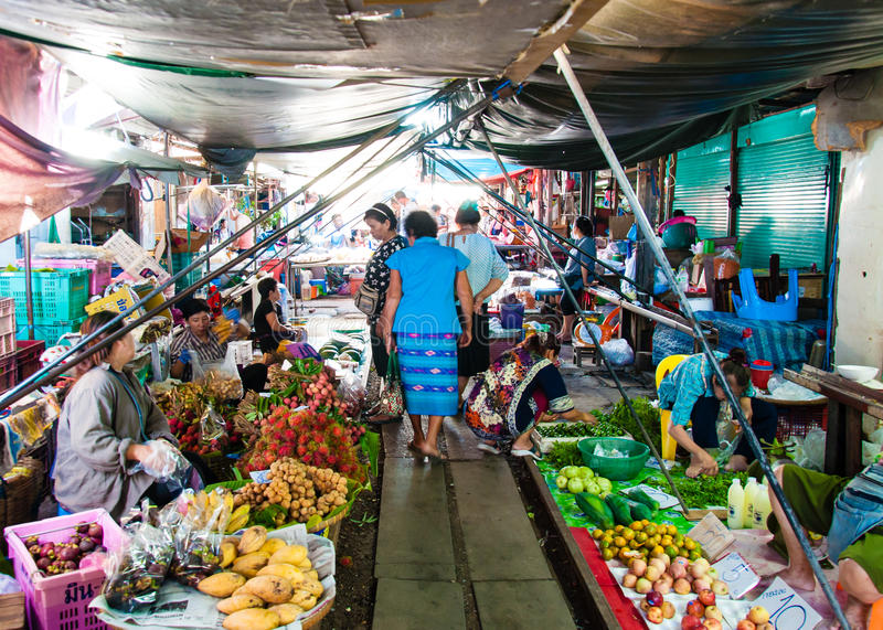 Download Street Vendors On Famous Maeklong Railway Market Editorial Photography