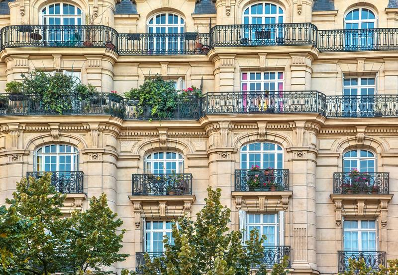 An elegant Parisian building facade in an upscale residential neighborhood. royalty free stock photos