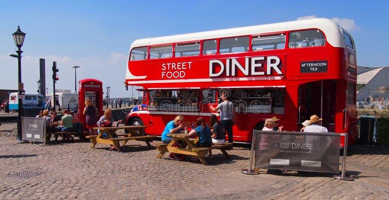 Streetfood摊位阿尔伯特船坞在利物浦,英国 免版税库存照片