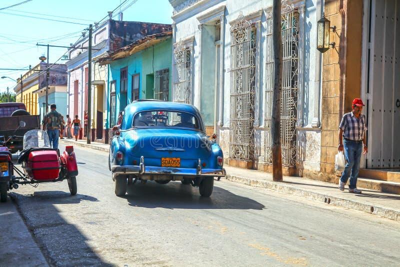 Streetlife avec la voiture au Trinidad, Cuba photos libres de droits