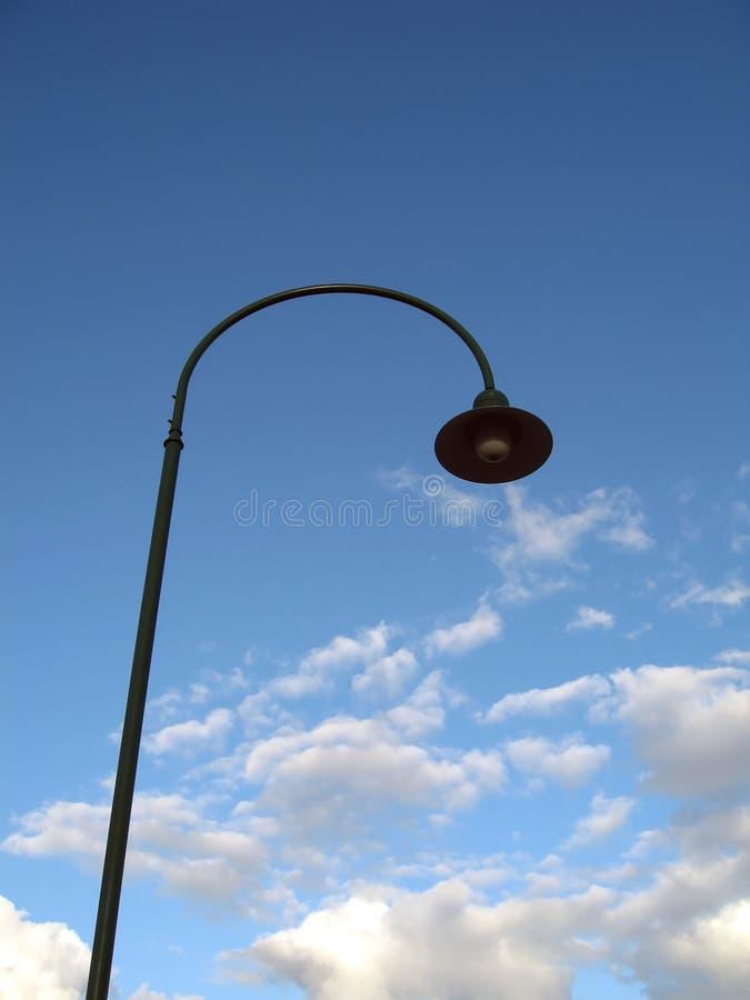 Download Streetlight arkivfoto. Bild av oklarheter, avstånd, högväxt - 991090