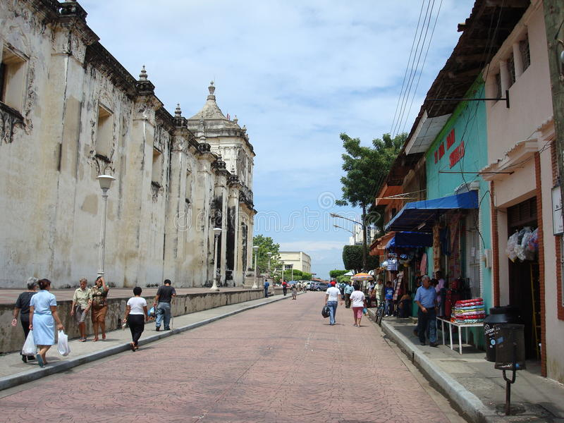 Download Streets of Leon, Nicaragua editorial photography. Image of statue - 19621712