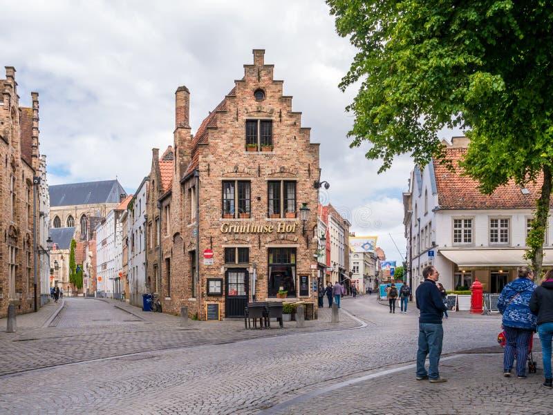 Streetscène in de oude historische stad Brugge, West-Vlaanderen, België stock afbeeldingen